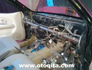 Gambar bongkar dashborad untuk bersihkan evaporator atau buka expansi valve avanza xenia