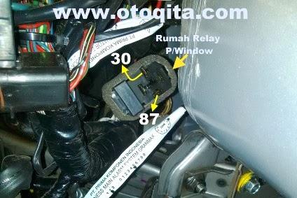 Gambar soket atau rumah relay power window gran max D