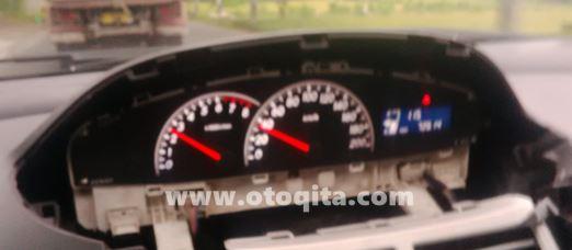 speedometer toyota yaris