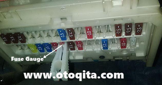 Posisi atau letak Sekring Gauge pada mobil vios limo 2007